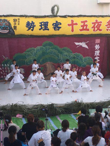 勢理客の十五夜祭り シーシーカンカンに萌え❤️の写真3